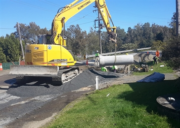 Works get underway on The Lake Way at Bungwahl.